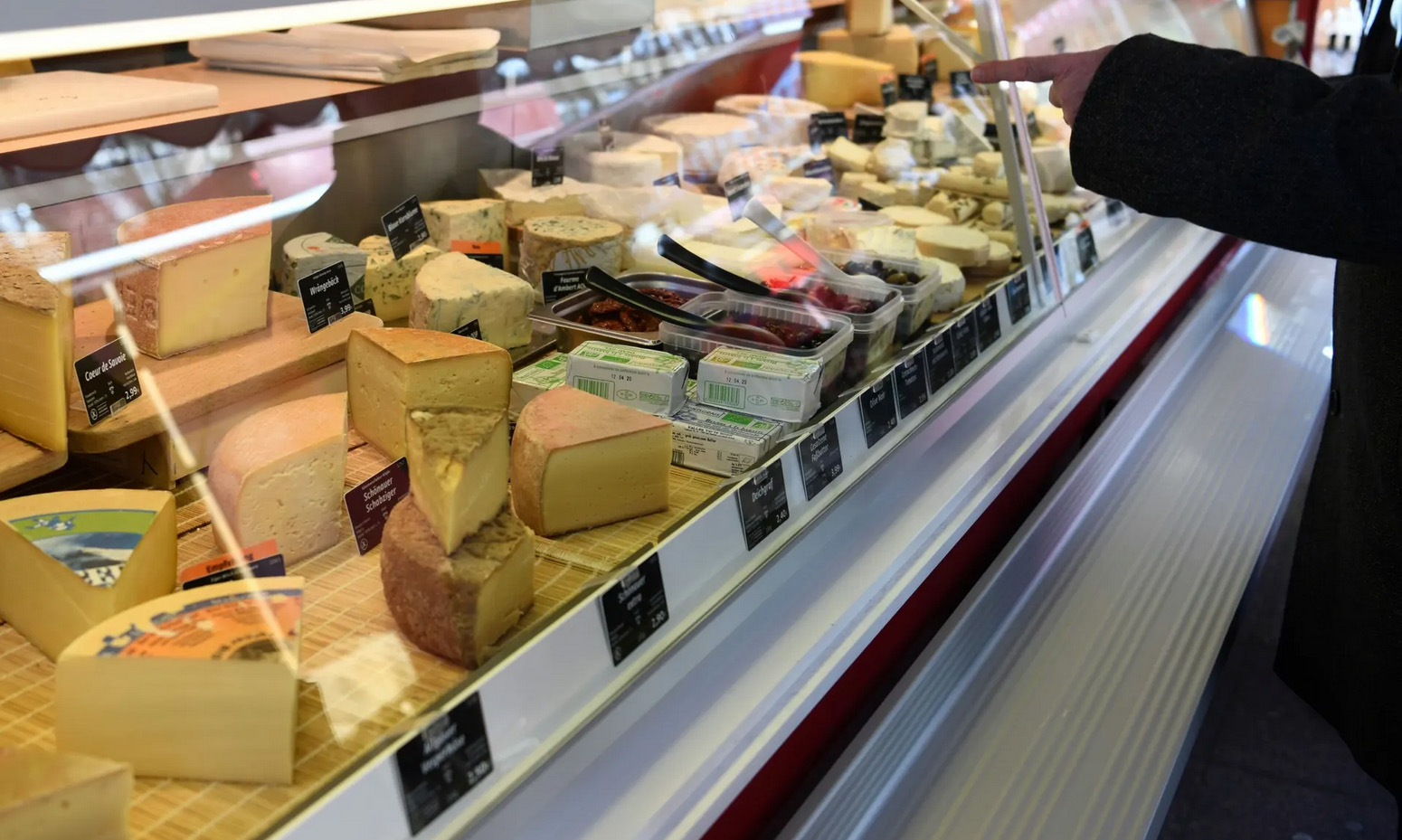 buying-cheese-article-in-the-observer
